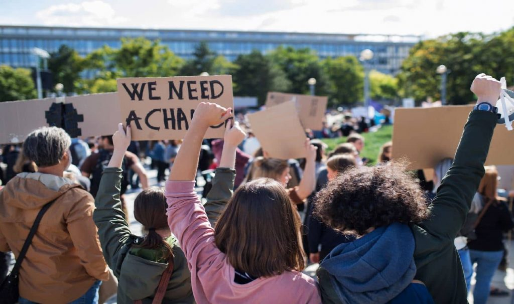 מגבלות שונות על זכות השביתה